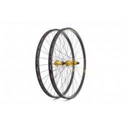 Tune Blackburner 23 Endurance 29″ 1297g Vypletené kolesá